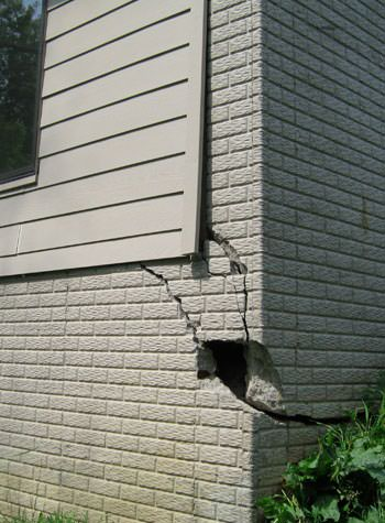 severe cracking of structural walls in Jacksonville